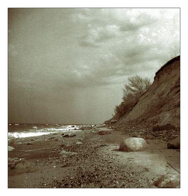 Steilküste im späten Nachmittagslicht
