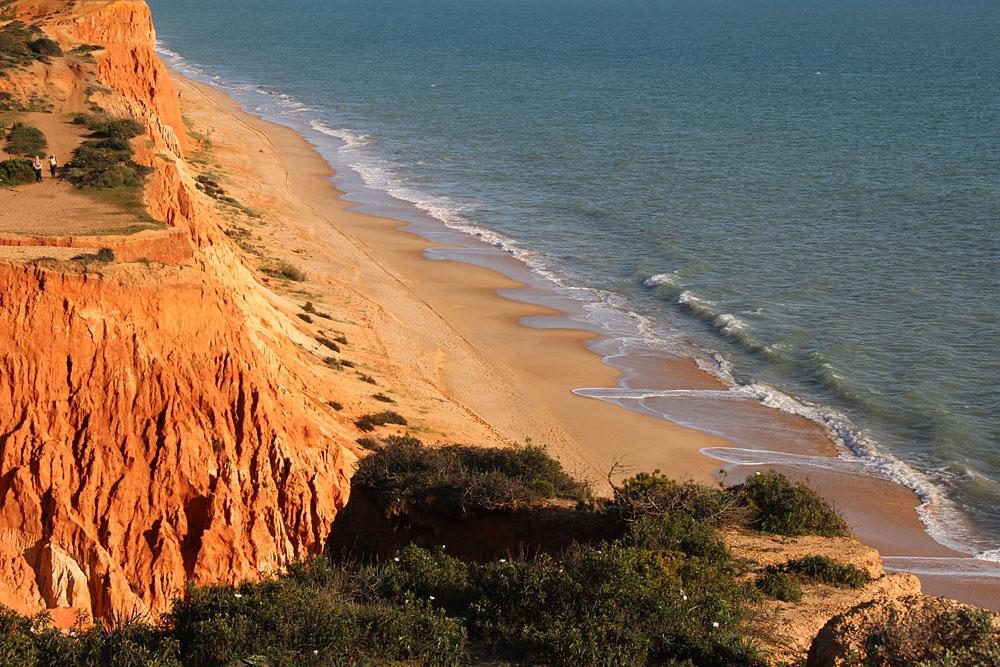 Steilküste in Albufeira, Portugal