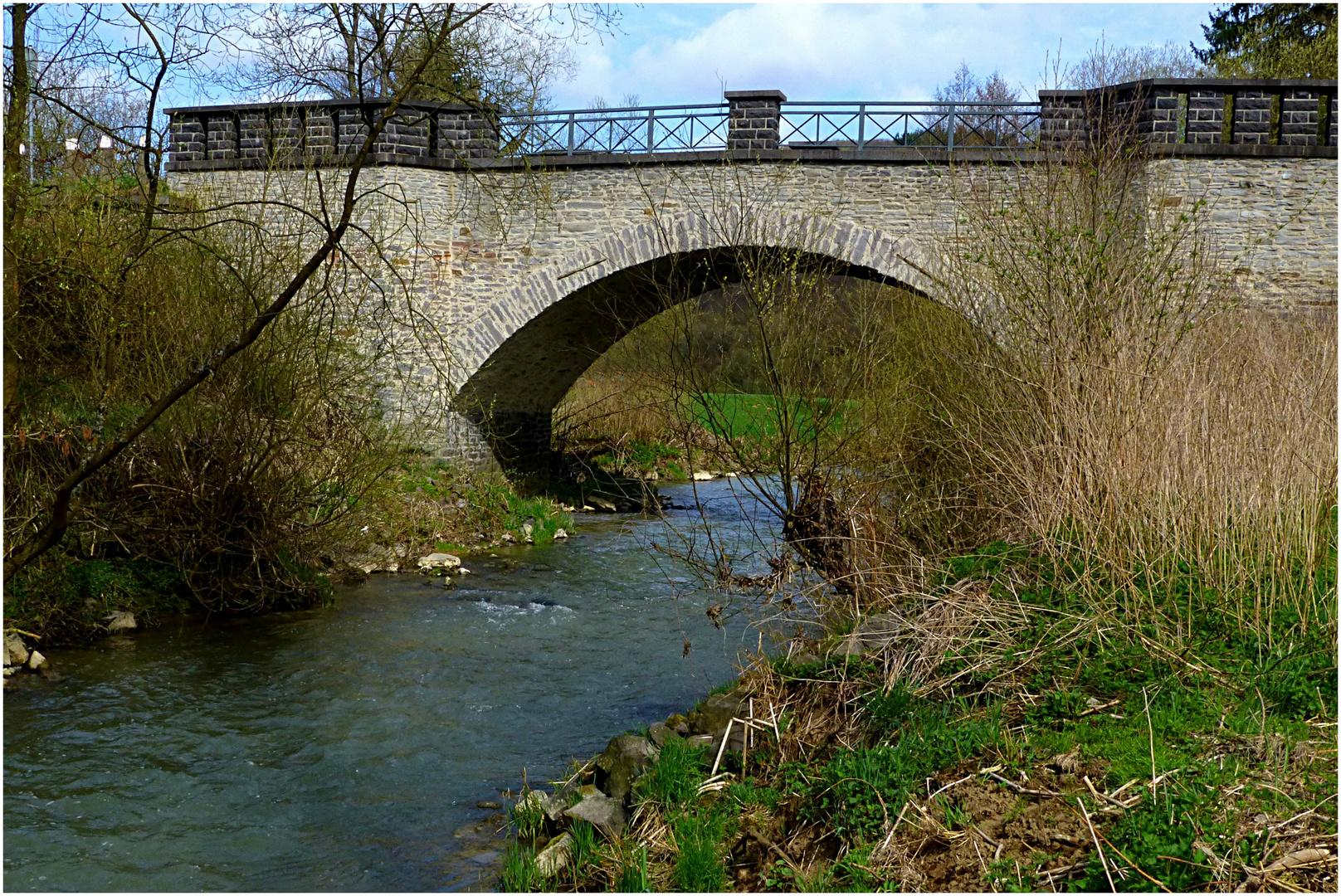 Steinbogenbrücke im Gelbachtal / Westerwald