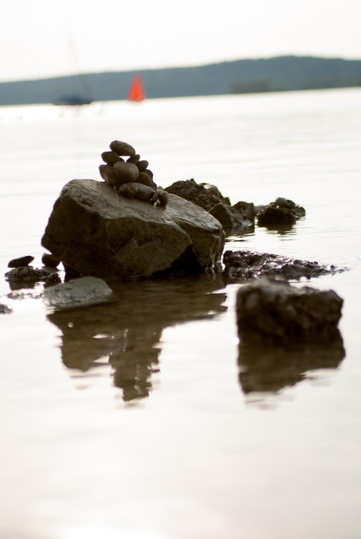 Steine am See