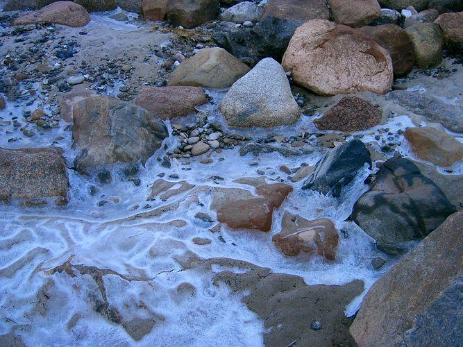 Steine am Strand im Winter...
