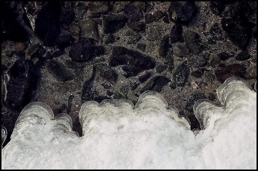 Steine Wasser Eis 2