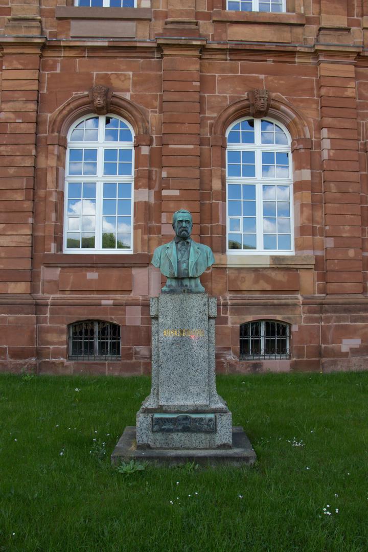 Steinfigur von Eugen von Boch,Villeroy&Boch, Mettlach