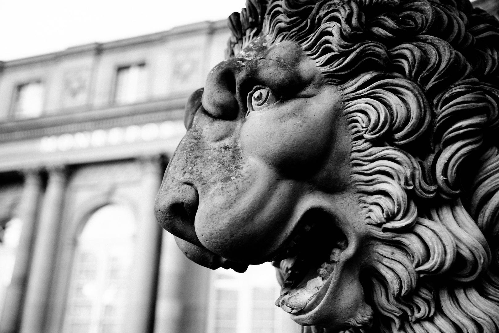 Steinlöwe Skulptur