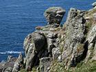 Steinmonument an der Küste von Cornwall