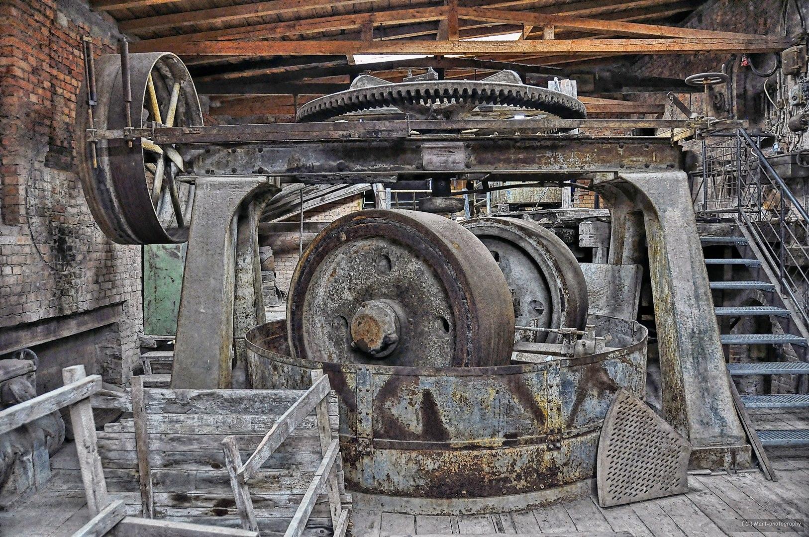 Steinmühle mit Transmissionsantrieb