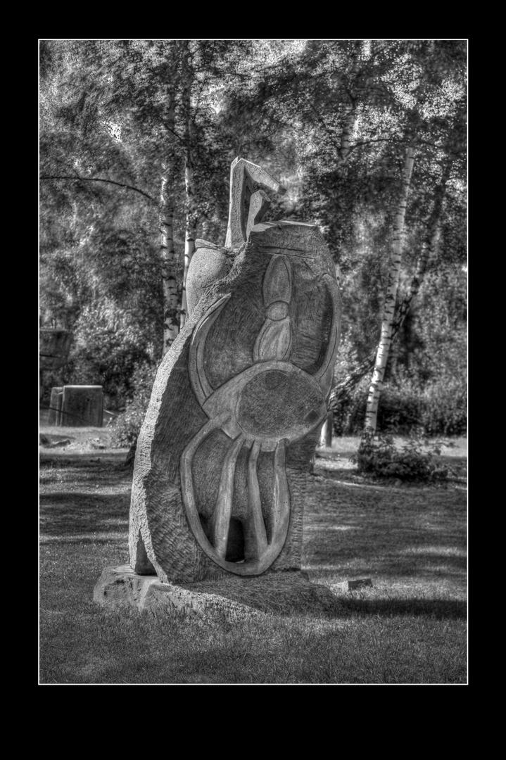 Steinskulptur auf dem LAPIDEA - Gelände in Mayen
