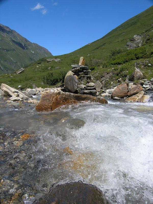 Steinträume im Gletscherwasser des Hocharn...