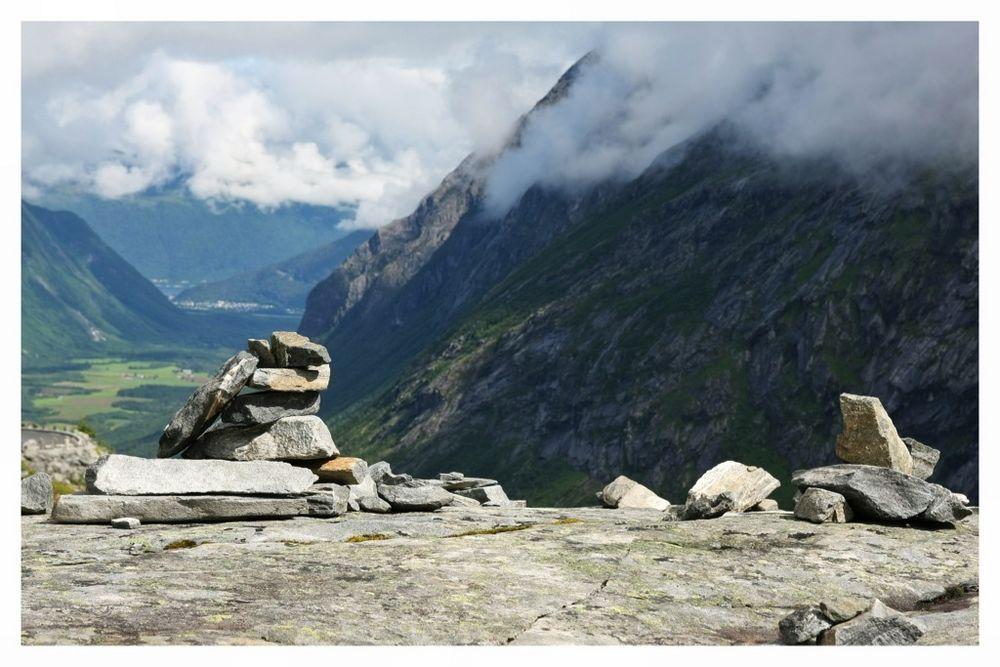 Steintrolle am Trollstiegen, ...