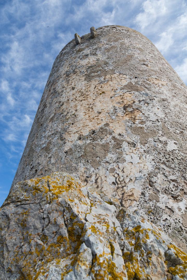 Steinturm auf Stein