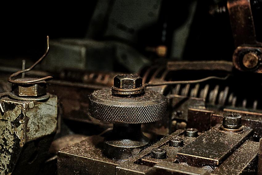 Stellschraube an einer Formpresse