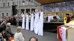 Stelzenlaufen beim Kirchentag in Halle/S 2006