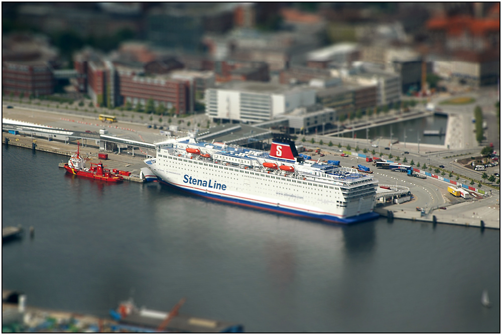 stena line kiel tilt shift effekt foto bild deutschland europe schleswig holstein. Black Bedroom Furniture Sets. Home Design Ideas