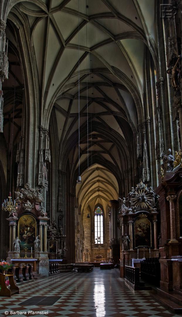 Stephansdom Seitenschiff