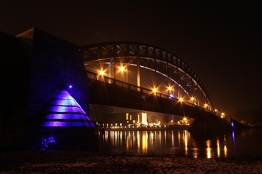 Sternbrücke bei Nacht
