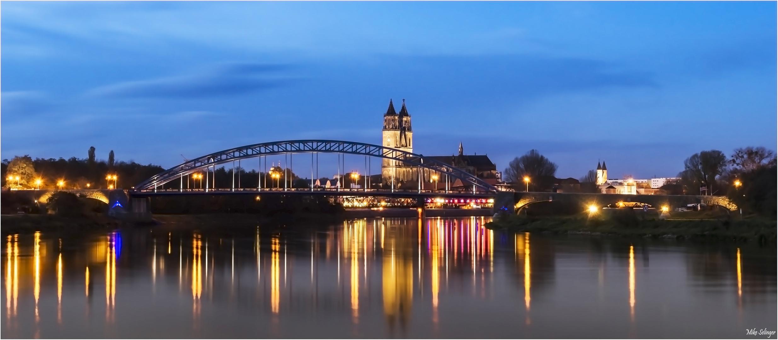Sternbrücke und Magdeburger Dom
