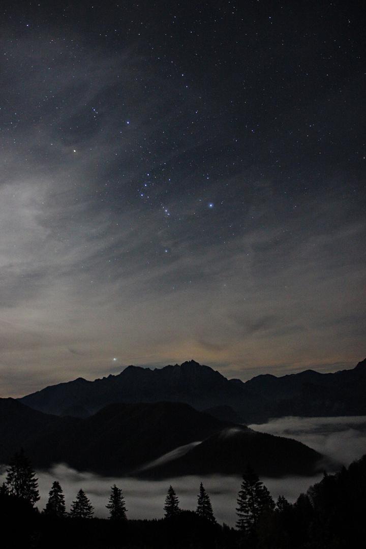 Sterne und Nebel im Gesäuse bei Admont