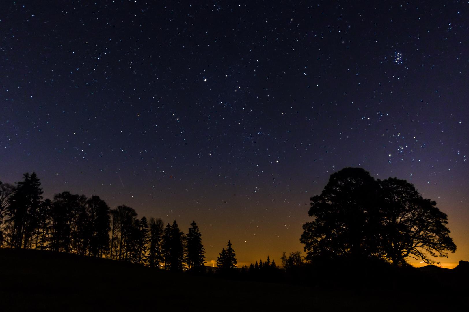 Sternenhimmel über dem Wasserfallen-Gebiet