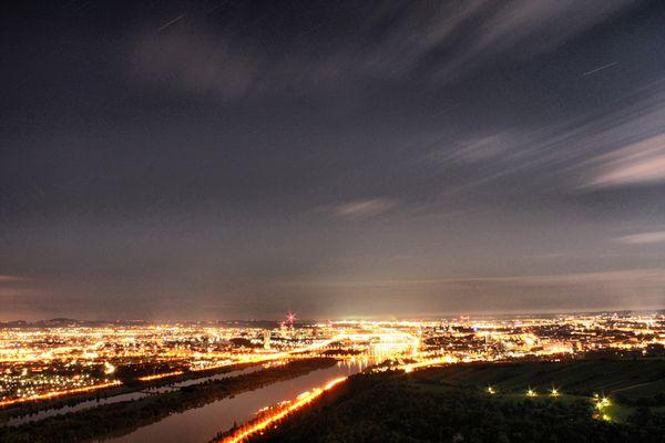 Sternschnuppen über der Donau