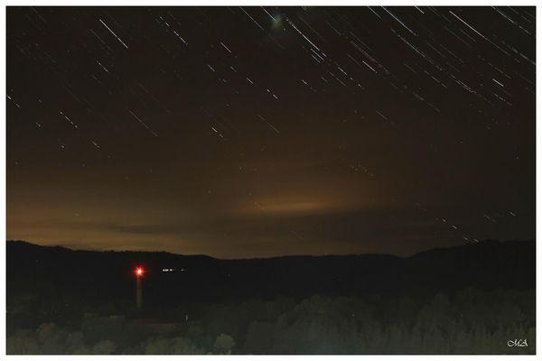 Sternspuren und Wetterleuchten