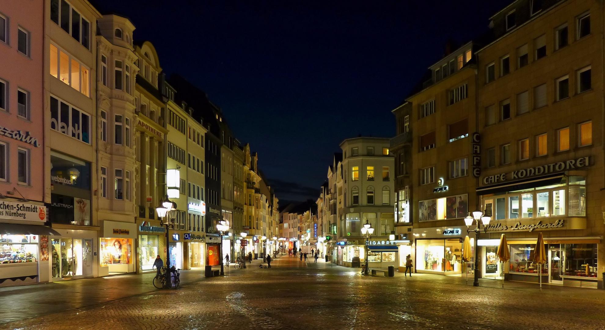 Sternstrasse bei Nacht