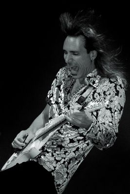 Steve Vai - guitar monster