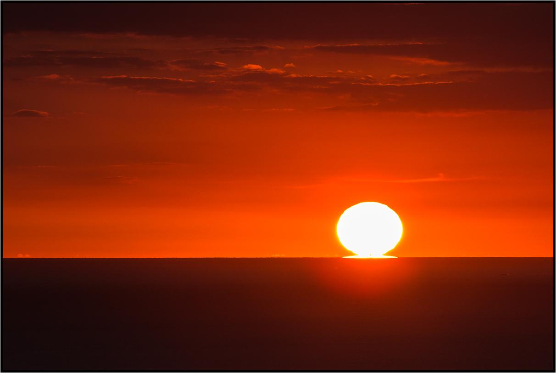   still kissing the horizon  