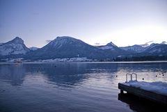 Stille Berge und ruhiger See