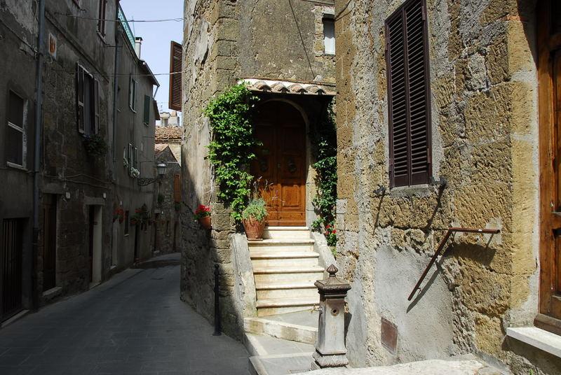 Stille Gasse in Pitigliano