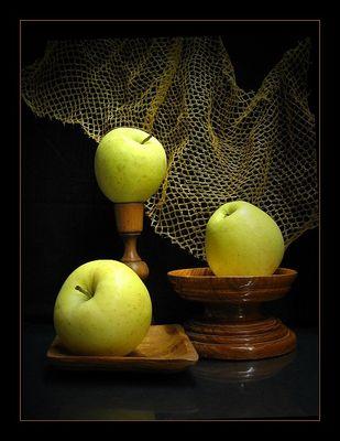 Stilleben mit Äpfeln