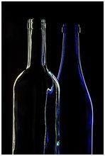 Stilleben mit blauer Flasche