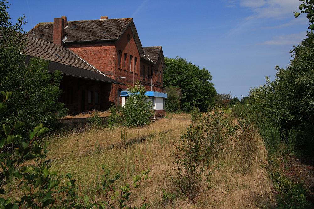 Stillgelegt-Der alte Bahnhof in Esens