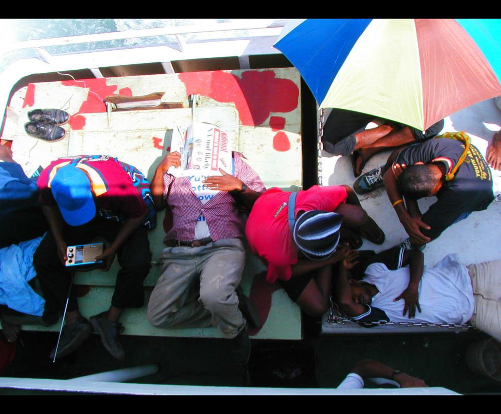 Stillleben auf dem Dampfer in Papua!