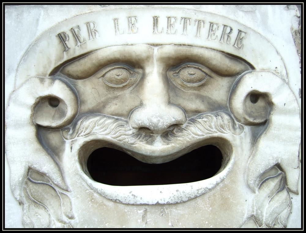 Stilvoller italienischer Briefkasten