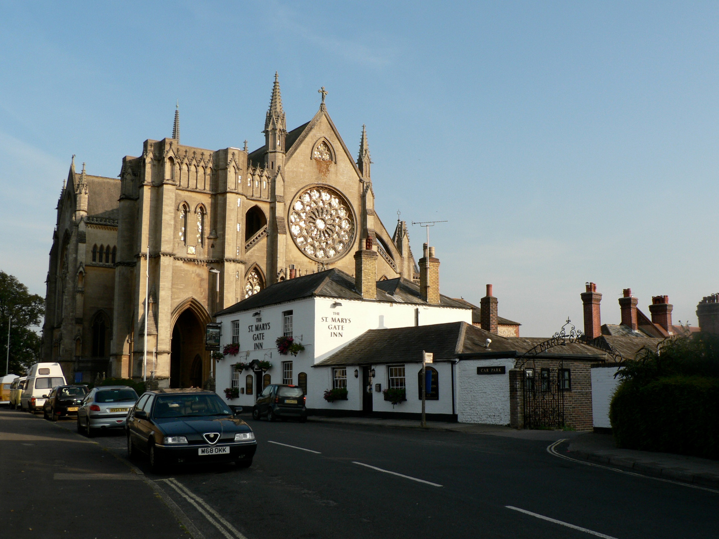 St.Marys Church & St. Marys Gate Inn, Arundel