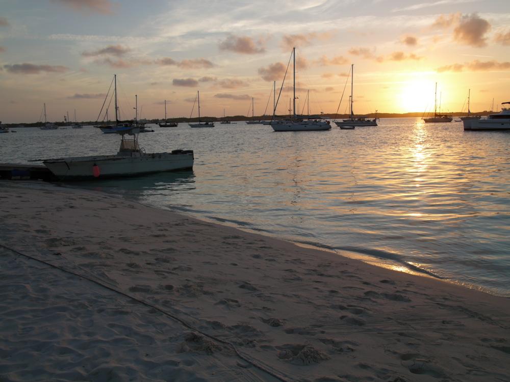 Stocking Island - Chat 'N' Chill Strand