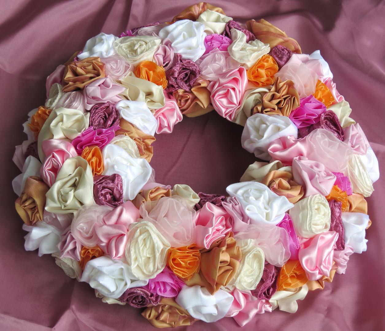 Stoffblumen Kranz