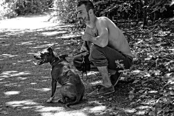 Stolzer Hundebesitzer ......