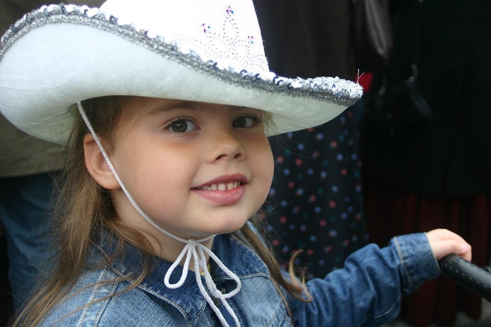 stolzes kleines Cow-girl