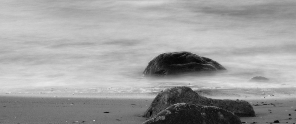 Stones in the smokin sea