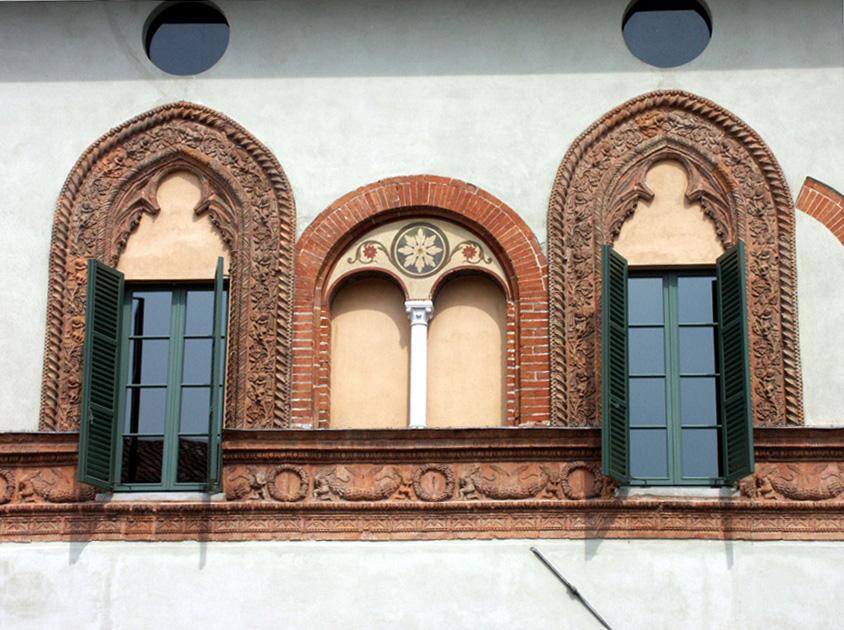 storia di finestre a Cremona