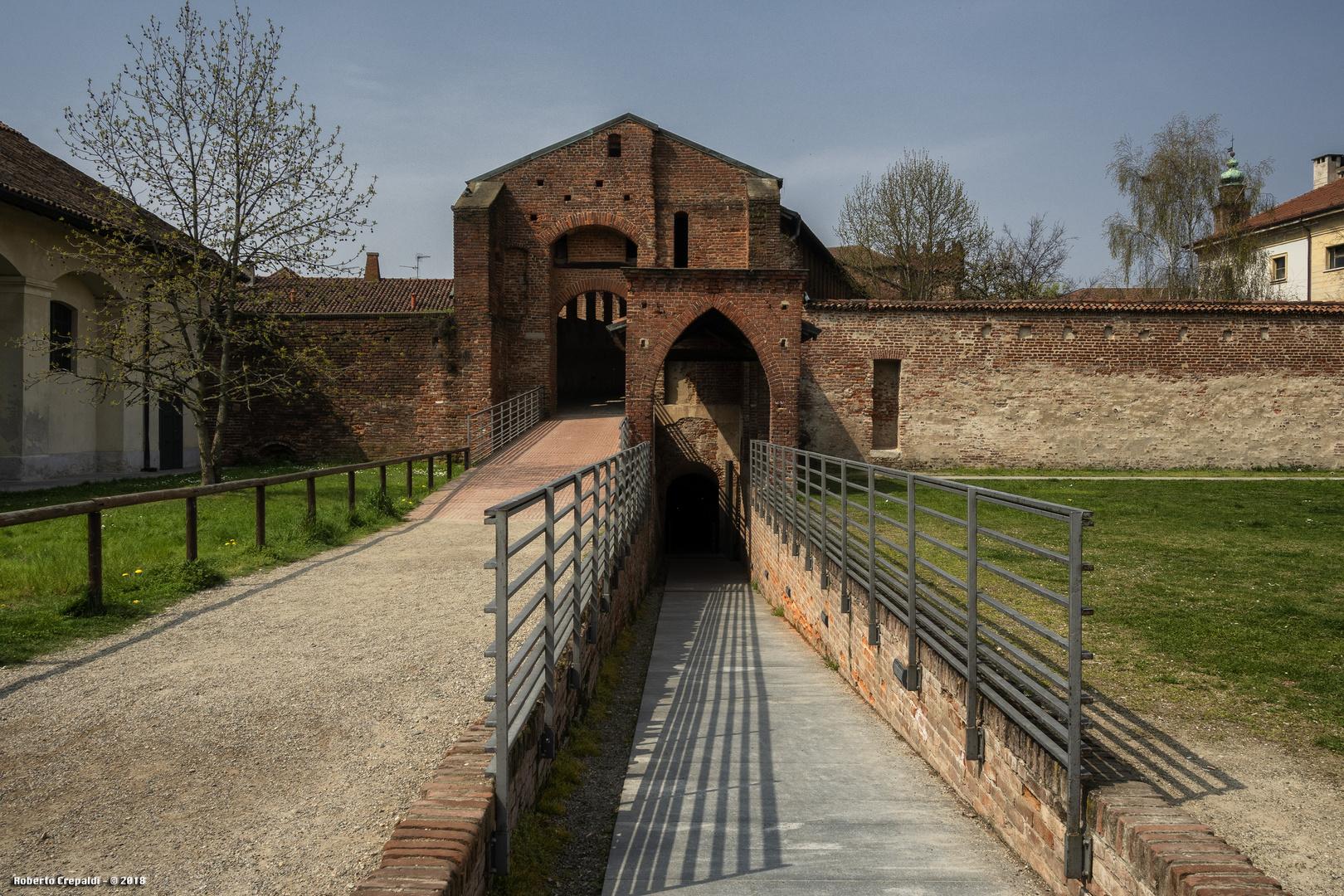 Strada Coperta del Castello di Vigevano, porte ingresso