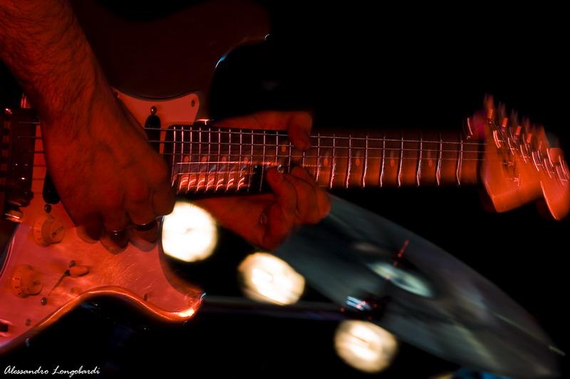 Strage kind of guitar