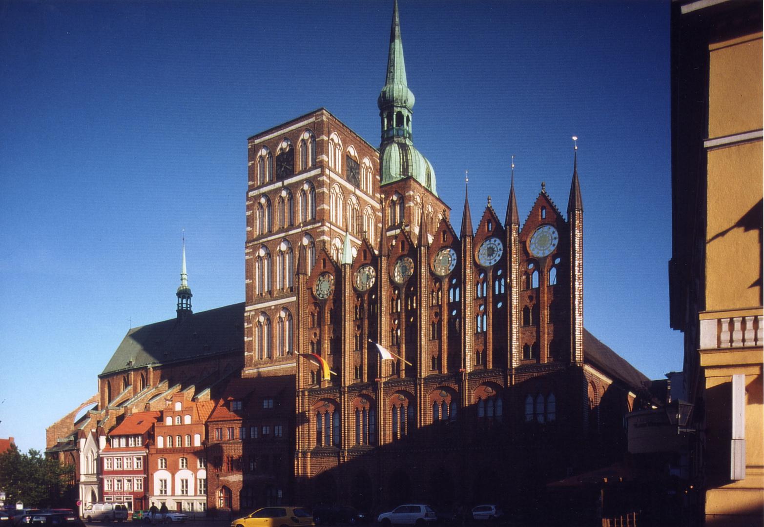 Stralsund, St. Nikolai und Rathaus