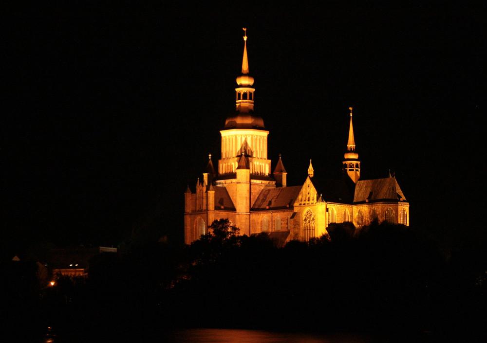 Stralsunder Marienkirche bei Nacht
