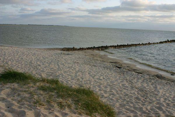 Strand bei Hindeloopen am Ijsselmeer