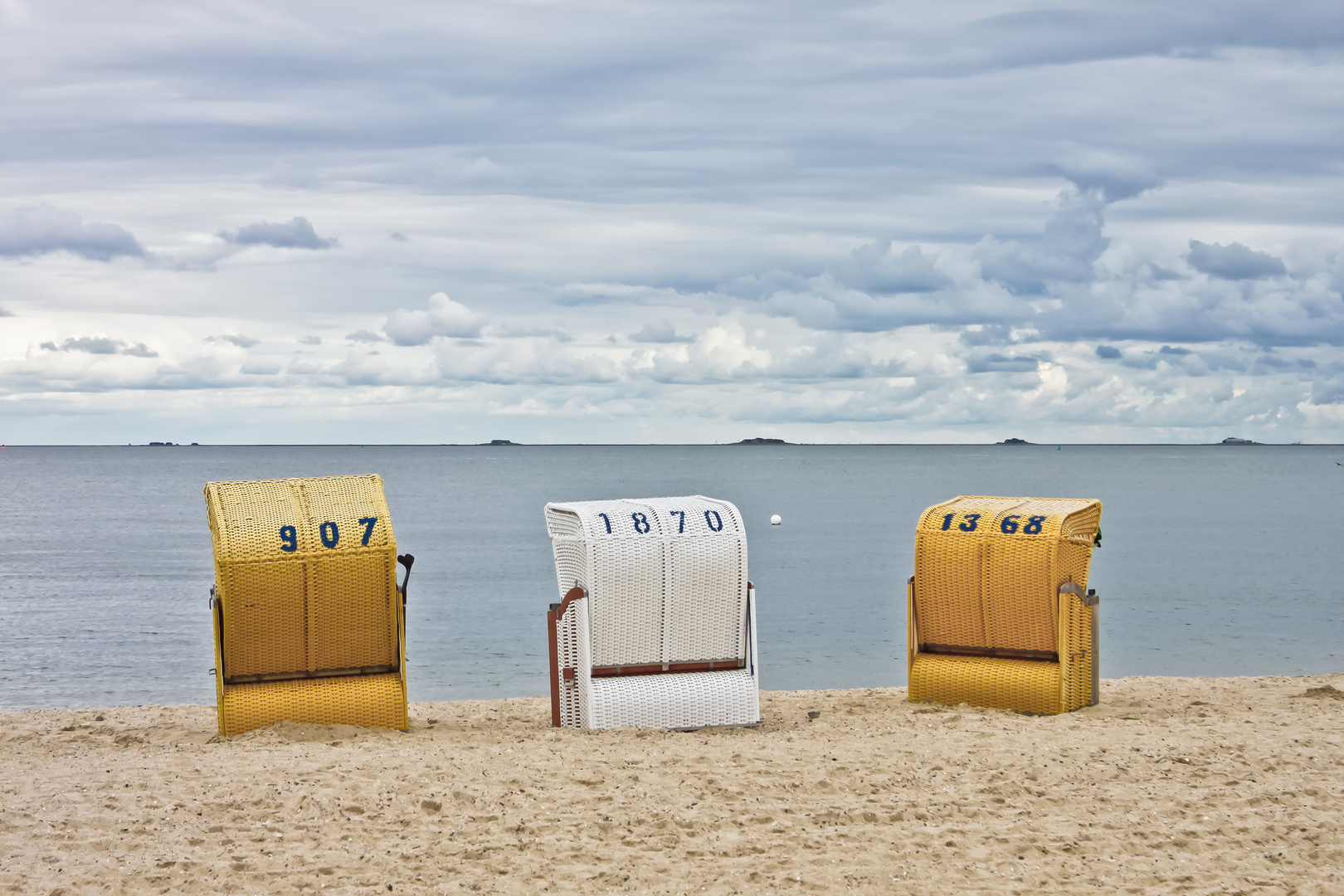 Strand bei Wyk auf Föhr/Blick auf die Halligen