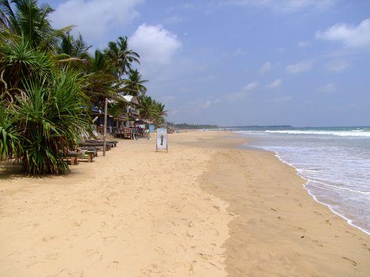 Strand von Hikkaduwa