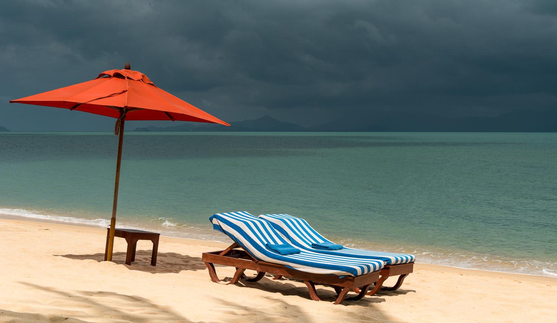 Strand von Meanam, KoSamui, Thailand, kurz vor dem Regen