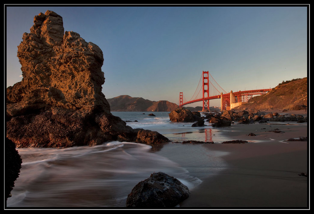 Strand vor der Golden Gate Bridge